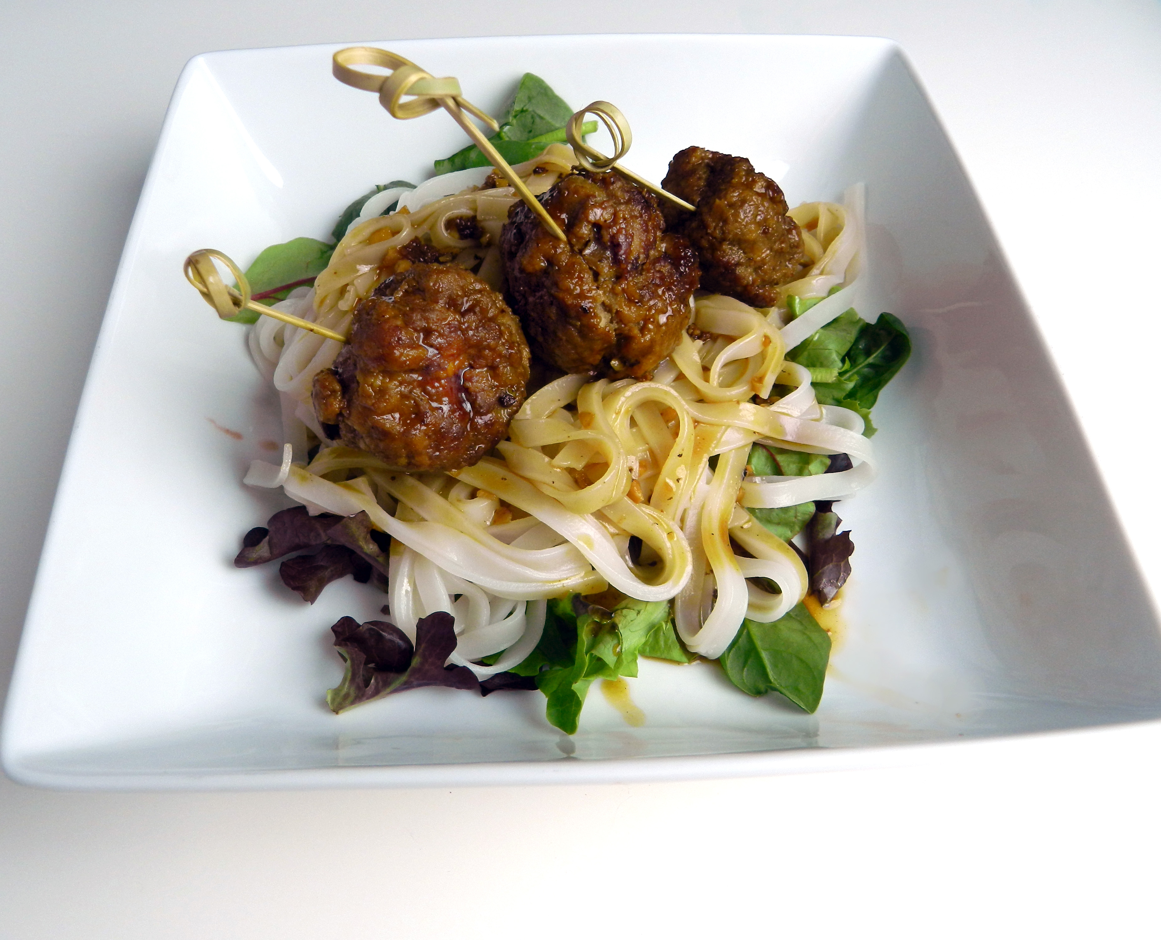 Asian Meatballs with Rice Noodles - Discovery Cooking