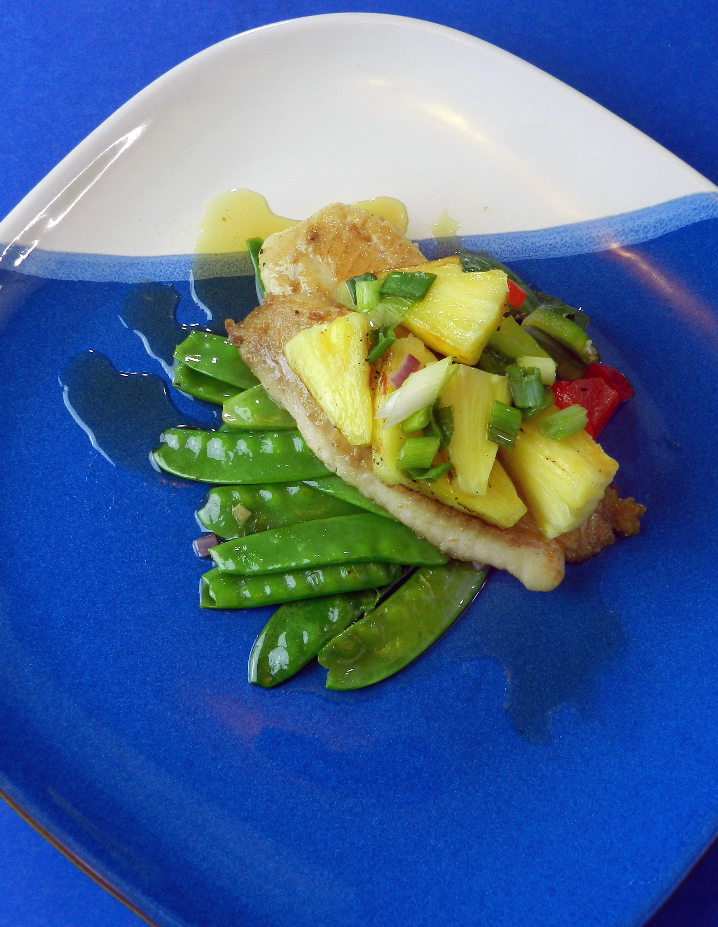 Pan fried fish with grilled pineapple discovery cooking for Pan grilled fish